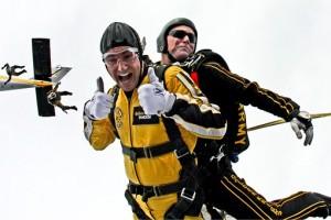 tandem-skydivers-603631__340